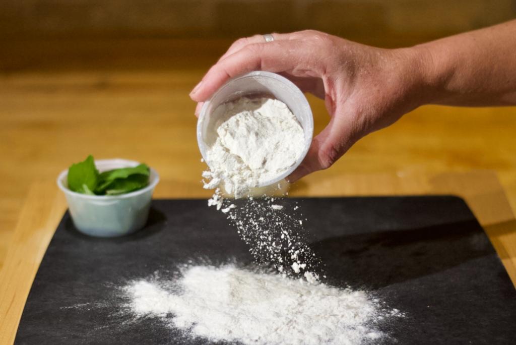 Flour_Hand